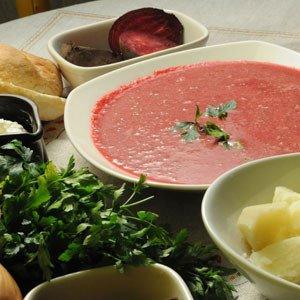 Ognista zupa z buraków