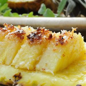 Ananas przypiekany na grillu