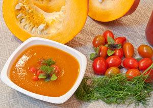 Dyniowo-pomidorowy dip do chipsów