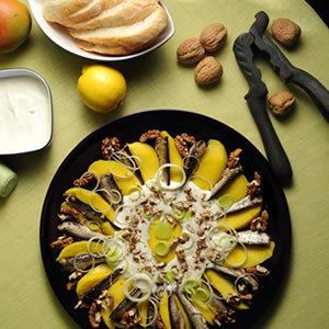 Sałatka ze szprotek i mango