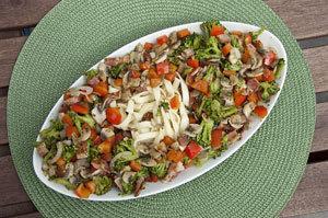 Sałatka brokułowa z boczkiem
