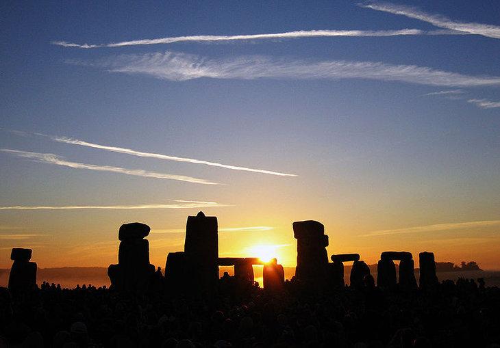 Wschód słońca nad Stonehenge