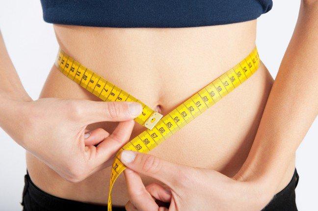 10. Triki na przyspieszenie metabolizmuKiedy próbujesz schudnąć, samo liczenie kalorii często nie wystarczy. Tak naprawdę to, jak szybkouda ci się zrzucić wagę, zależy od metabolizmu – czyli szybkości, z jaką organizm spala kalorie. Czy sąjakieś sposoby na przyspieszenie metabolizmu? Tak! Oto one.