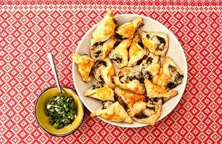 Pierożki z roszponką i pleśniowym serem