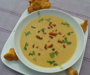 Krem z kurek. Smaczna, żółciutka zupa!