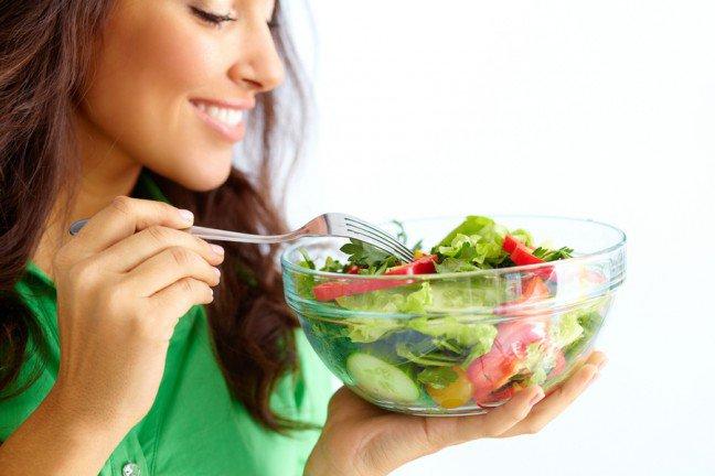 11. Zapotrzebowanie mózguOdżywianie wpływa zarówno na zdrowie umysłowe, jak i fizyczne. Mózg potrzebuje składników odżywczych tak samojak serce, płuca czy mięśnie. Jakie pokarmy są więc najlepsze dla zdrowia mózgu?