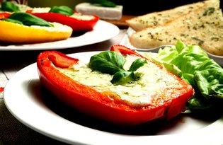 Papryka z grilla faszerowana kozim serem