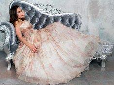 Suknie wieczorowe zachwycają elegancją
