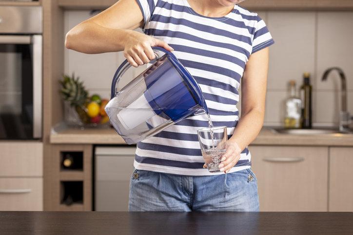 Dzbanek filtrujący jest niezwykle skuteczny i zapewnia zawsze czystą wodę do picia.