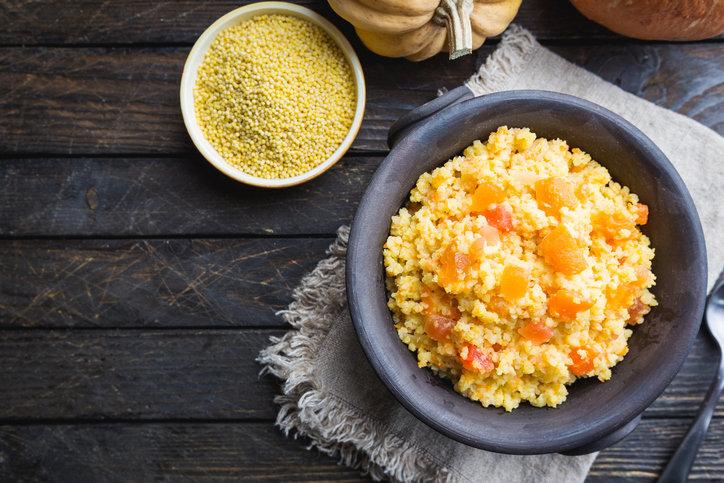 Płatki jaglane są świetnym pomysłem na zdrowe i pełnowartościowe śniadanie