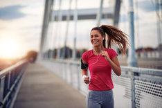 Muzyka do biegania umili nawet intensywny trening.