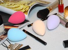 Gąbeczka do makijażu to niezbędnik w praktycznie każdej kosmetyczce.