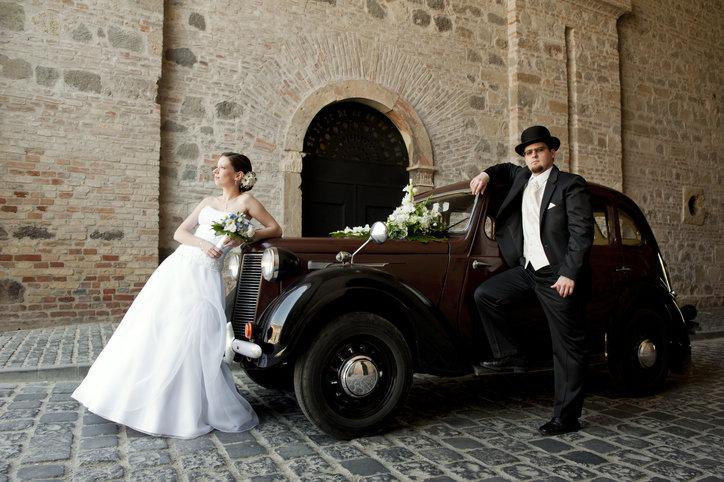 Zabytkowe auto do ślubu to powrót stylowego vintage oraz retro.