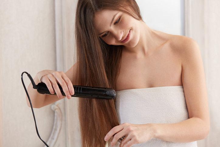 Prostownica z jonizacją może być używana codziennie - pielęgnuje i wygładza włosy.