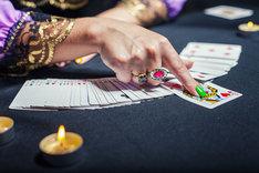 Wróżba z kart klasycznych wymaga skupienia i podążaniu za intuicją.