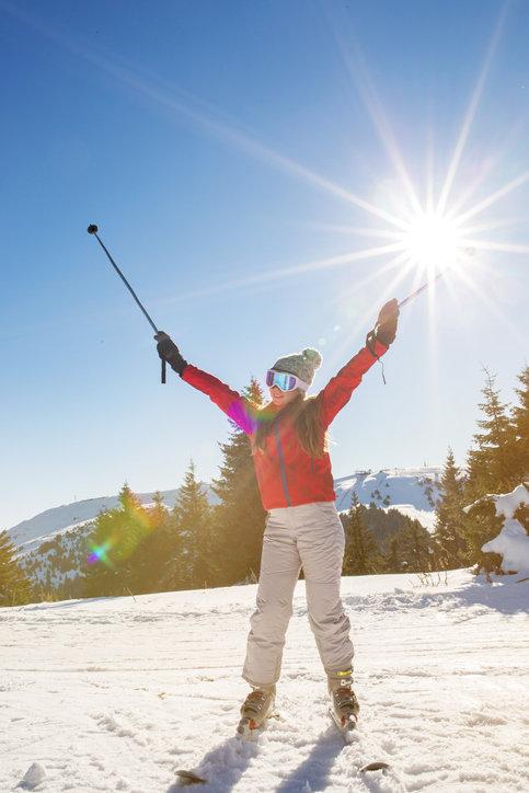 Spodnie narciarskie damskie muszą być funkcjonalne i bardzo wygodne.