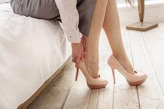 Szpilki na platformie są znacznie wygodniejsze od klasycznych butów na obcasie.