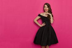 Sukienka na bal nie musi być długa i sztywna.
