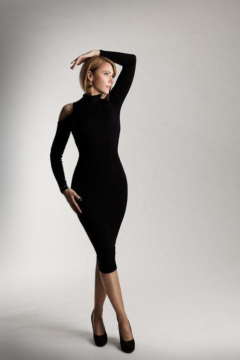Czy Obcisle Sukienki Pasuja Do Kazdej Figury Klasyczne Zestawy Z Dopasowana Sukienka Kafeteria Pl