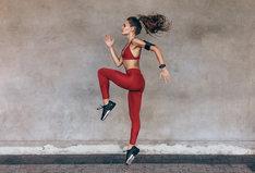 Bielizna termoaktywna sprawdzi się u osób czynnie uprawiających sport.