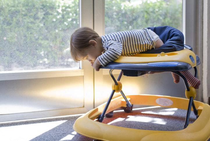 Chodzik dla dziecka wpływa niekorzystnie na rozwój dziecka.