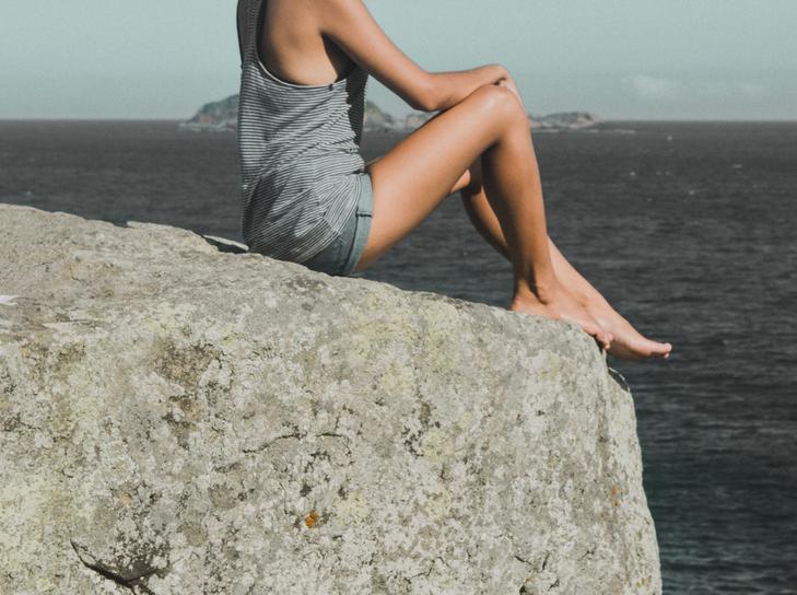 Cellulit może odbierać pewność siebie i zniechęcać do odsłaniania nóg czy ramion