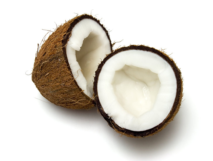 Wiórki kokosowe zawierają 21 g błonnika w 100 g