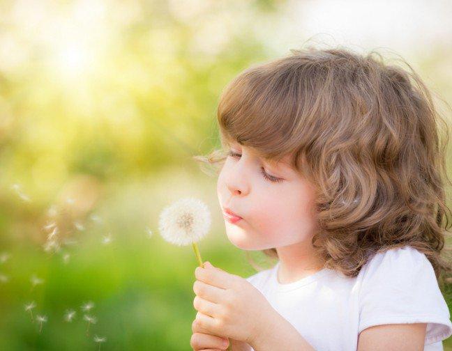 9. Alergia jest jedną z najpowszechniejszych przypadłościPrawie 50% Polaków ma dodatni wynik testów alergicznych na powszechnie występujące alergeny, a wśród dzieci copiąte ma objawy alergii. Szczególnie dla tych drugich życie z alergią może być uciążliwe.