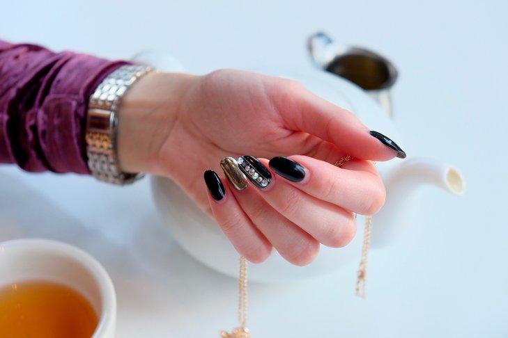 Staranny manicure sprawi, że nasze dłonie będą wyglądały schludnie i elegancko