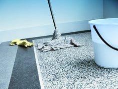 Mycie podłogi - 400 kcal