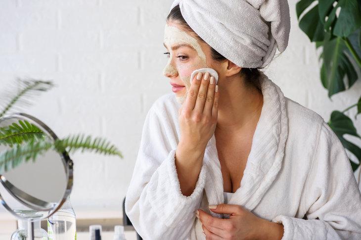Oczyszczanie twarzy powinno odbywać się wieloetapowo