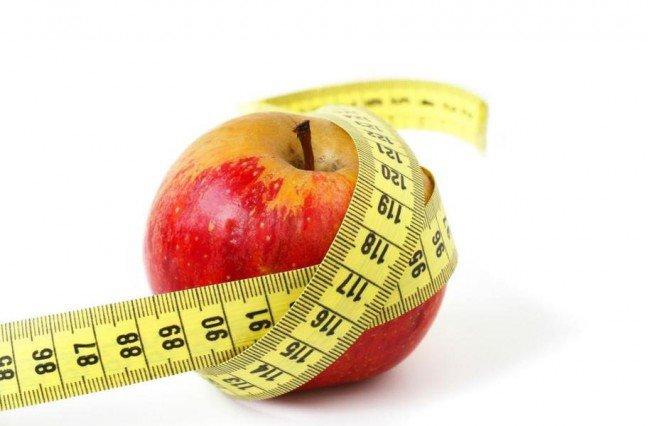11. Spalanie kalorii podczas codziennych czynnościJeżeli dużo ruszasz się w ciągu dnia, spalasz więcej kalorii, niż zdajesz sobie sprawę. Przypadkowe czynności w ciągudnia zużywają dodatkowe 30-50 kalorii na godzinę, co oznacza 360-600 kalorii w ciągu 12 godzin, czyli tyle, coćwiczenia na siłowni. Stanie zamiast siedzenia już spala dodatkowe 60 kalorii na godzinę. Oto 10 prostych sposobówna spalanie kalorii w ciągu dnia (dane zostały obliczone na podstawie osoby ważącej 68 kg).