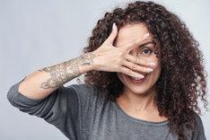 Tatuaże na przedramię mogą być duże, a jednocześnie delikatne